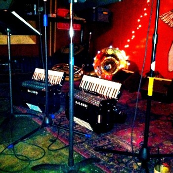 Squeezettes in da house...Public House 12/21/13 Solstice Party..photo by Tanya Bueter